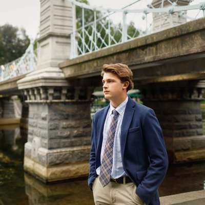 Senior Portraits at Boston Public Gardens