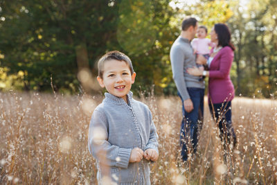 Outdoor family portraits by Anastasia Aranovich Photography