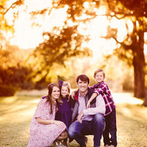 Sunset Family Session at Pecan Springs Ranch