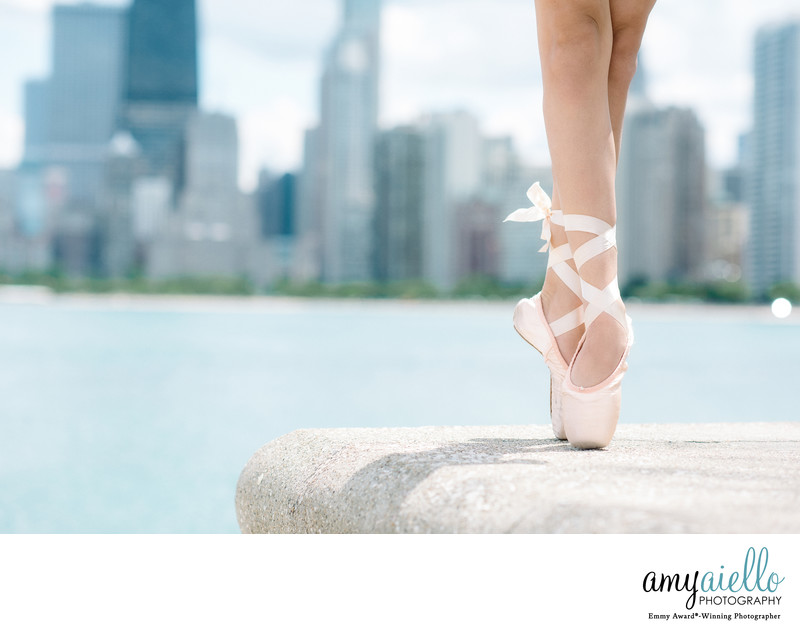 chicago dance photographer editorial fashion style ballerina pointe shoes