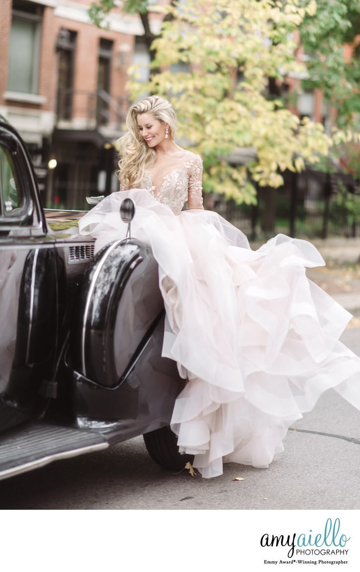 Olivia rink chicago fashion blogger hayley page bridal fashion editorial kla designs flowers big city bride amy aiello photography