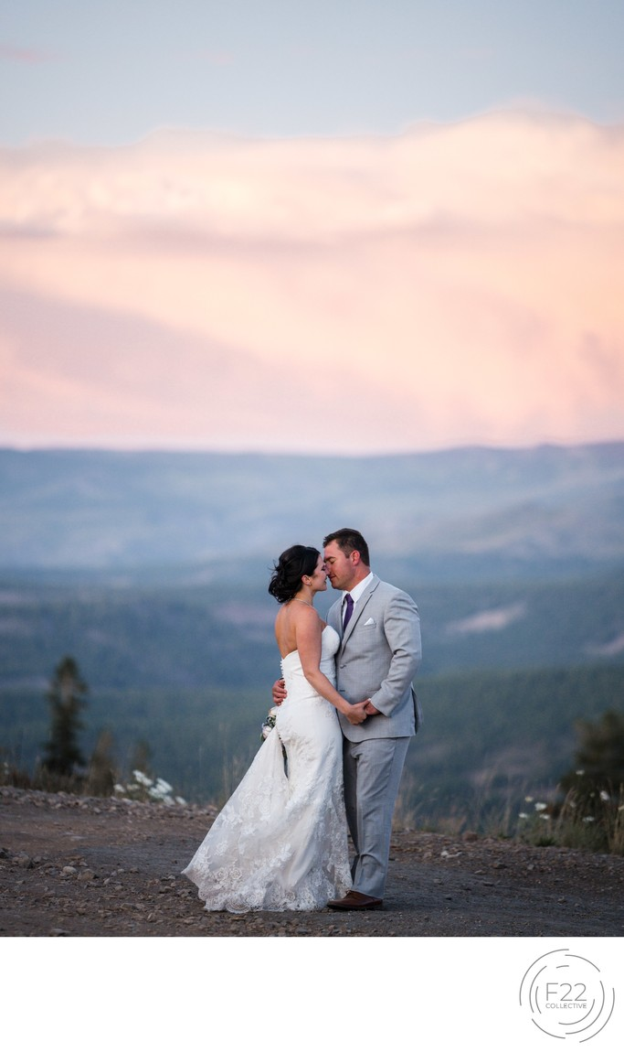 Lake Tahoe Wedding Photographers: Sunset Romantics