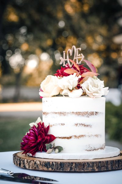 Wedding Cake: Sacramento Wedding Photographers