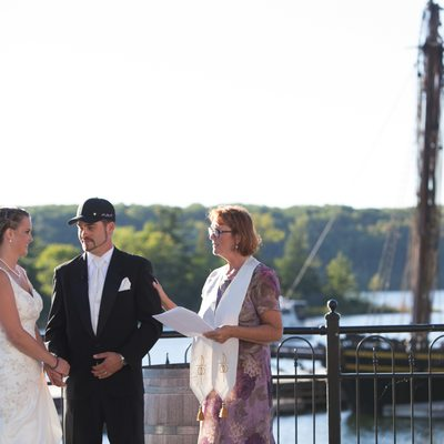 Couple Marries at scenic Discovery Harbour