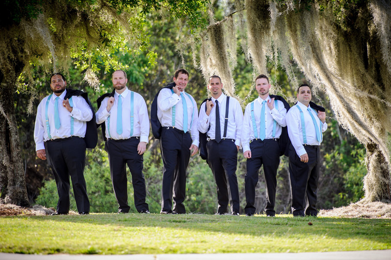 Fun wedding shots of the groomsmen