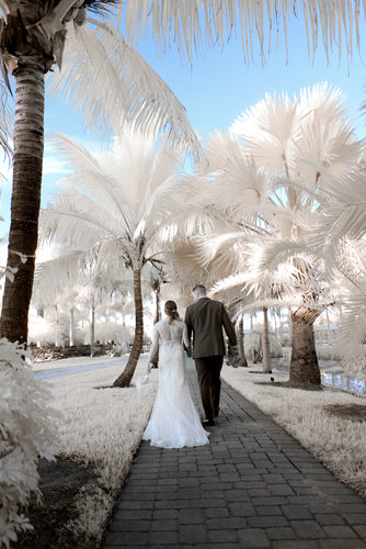Totally unique wedding pictures from the Treasure Coast