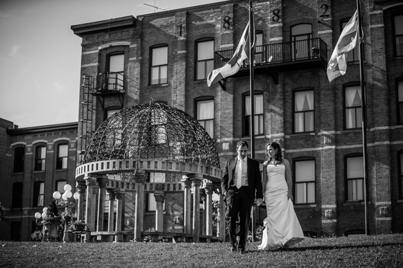Montreal Wedding Photography at Château Saint-Ambroise