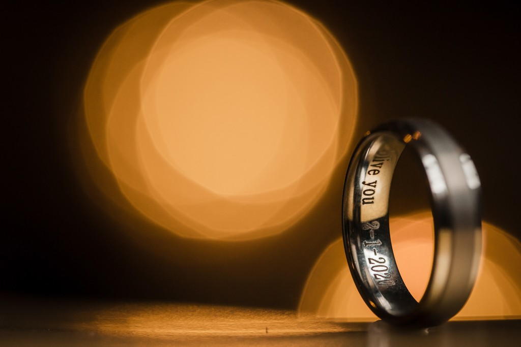 Wedding bands inside engraving photo