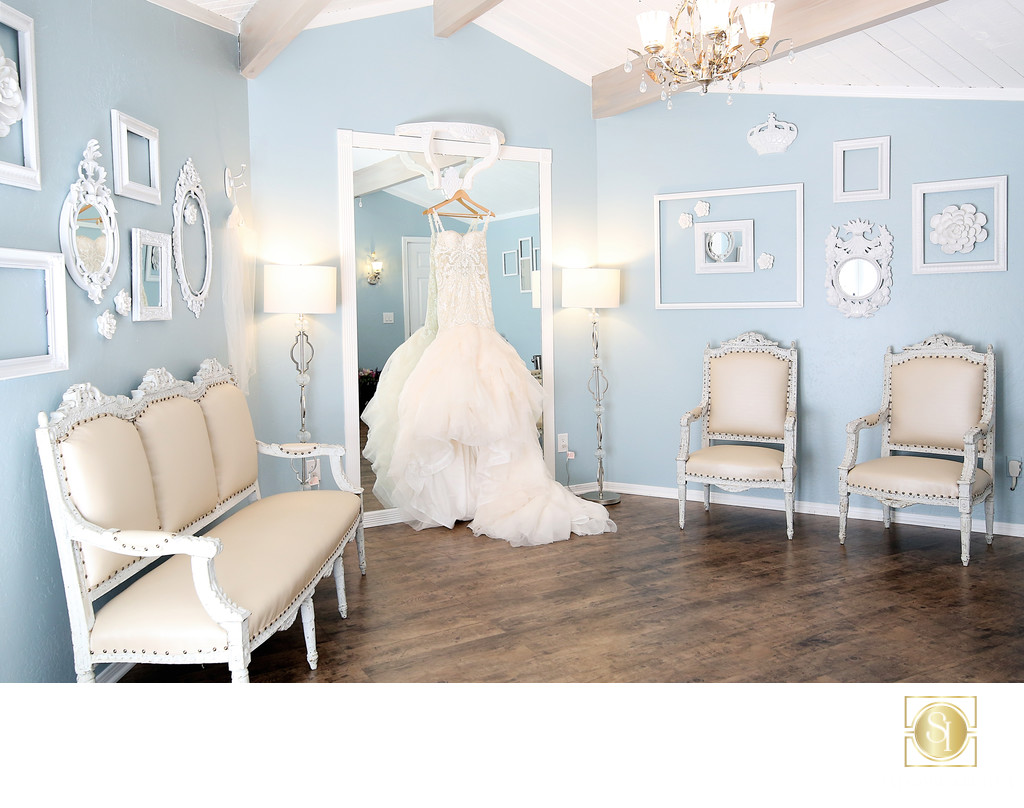 Elegant Bridal Room | San Diego Wedding Photographer