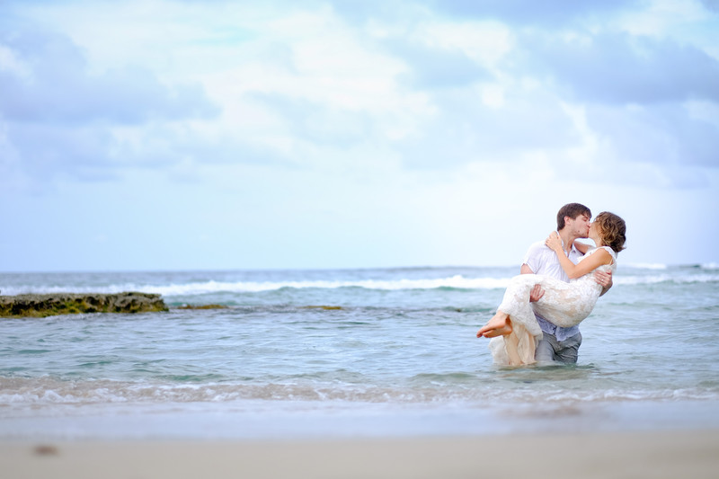 Beautiful Trash the dress session in Costa Rica