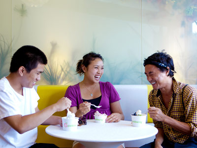 Friends enjoying an afternoon at Pinkberry