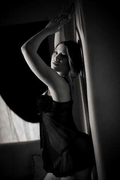 San Francisco Bay Area classy boudoir bw photo