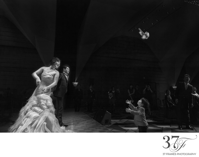 Best Wedding Bouquet Toss Photos