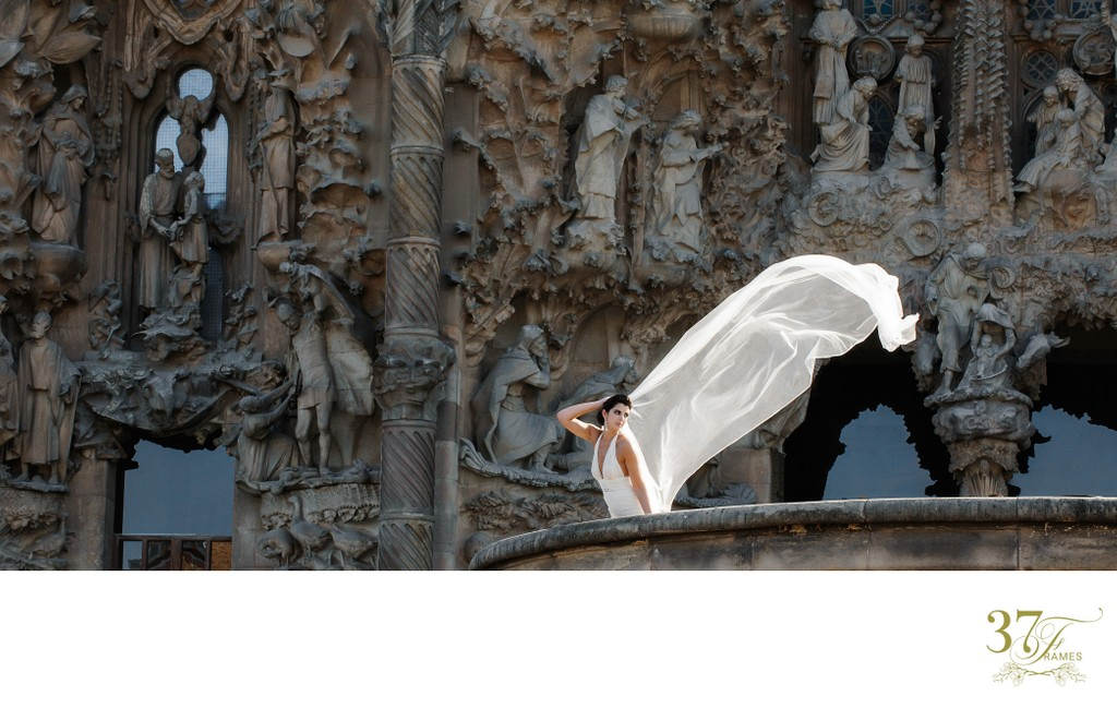 A Wedding at La Sagrada Familia | Barcelona