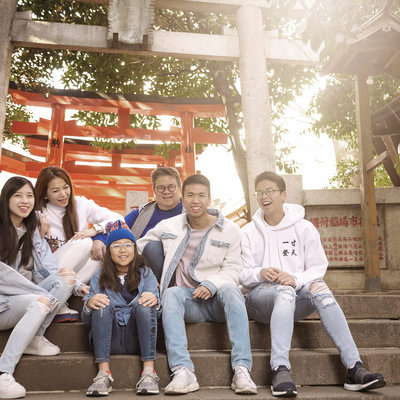FAMILY PHOTO SHOOT AT A SHRINE IN SHIBUYA