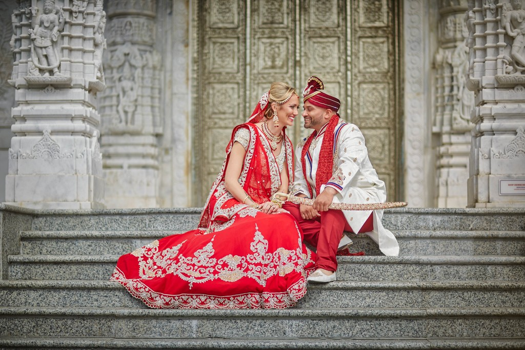 Chicago Indian Wedding in traditional outfits