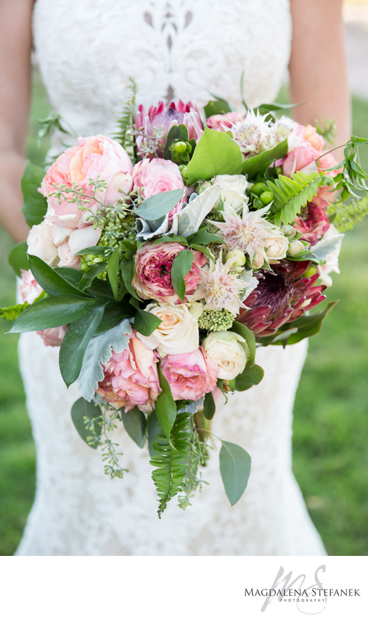 pink and red bridal bouquet