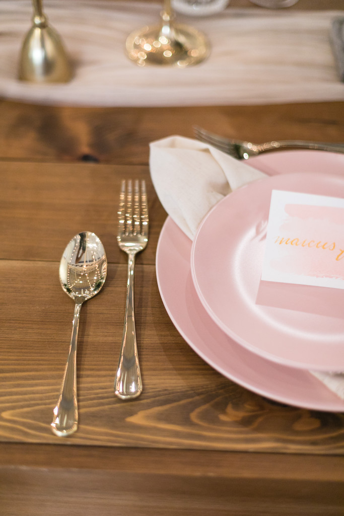 reception table setting - Stockroom 230