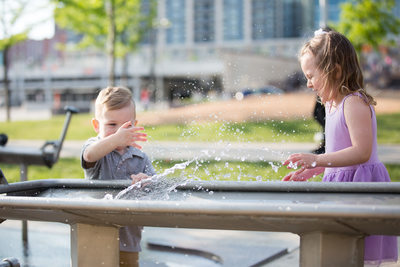 Fun Family Photo Session in Smale Park