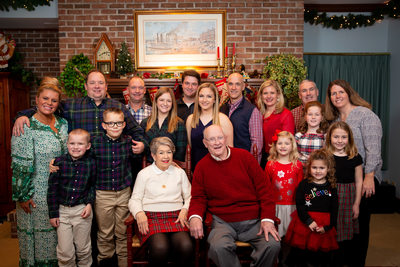 Extended Family Christmas Photos at Home