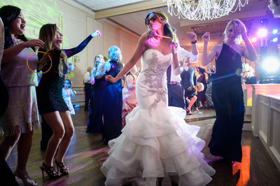 Bride Takes Over Brook Hollow Dance Floor