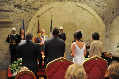Cilvil Ceremony Underway For Rome, Italy Wedding