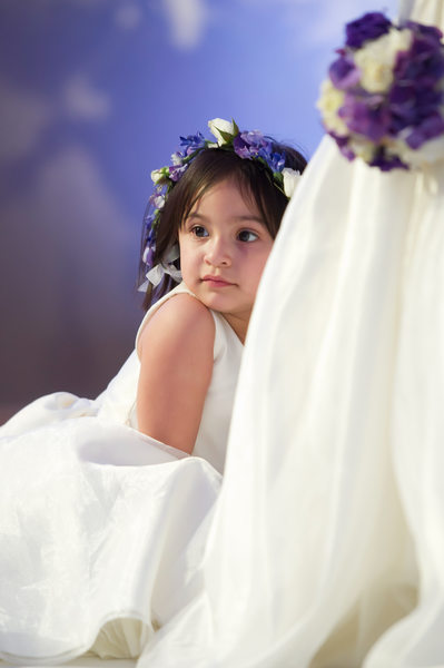 Flower Girl Relaxes During Dallas Wedding At Crescent