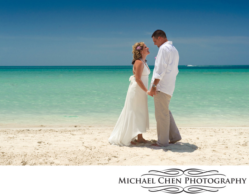 photographer in negril beach wedding