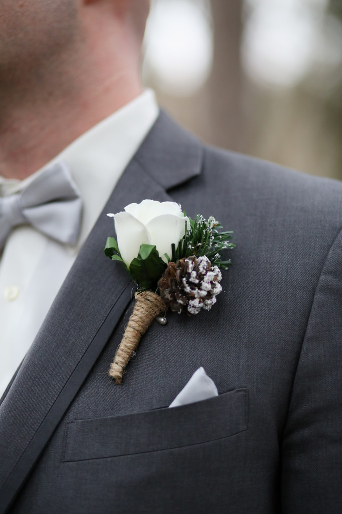 Winter Wedding Details: Groom Boutonniere