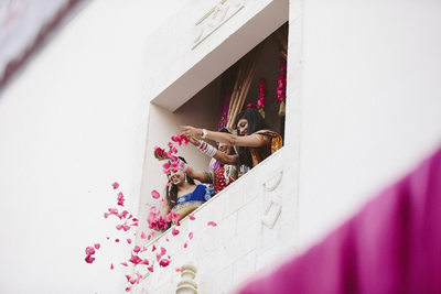 Tossing Petals as Fine Art Wedding Photography in Houston