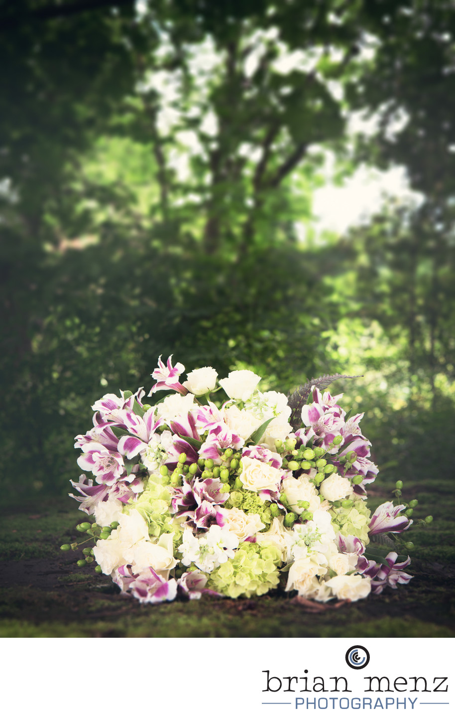 bridal bouquet michigan wedding photography