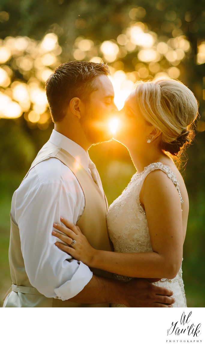 Sparks ignite a Texas wedding kiss for the ages