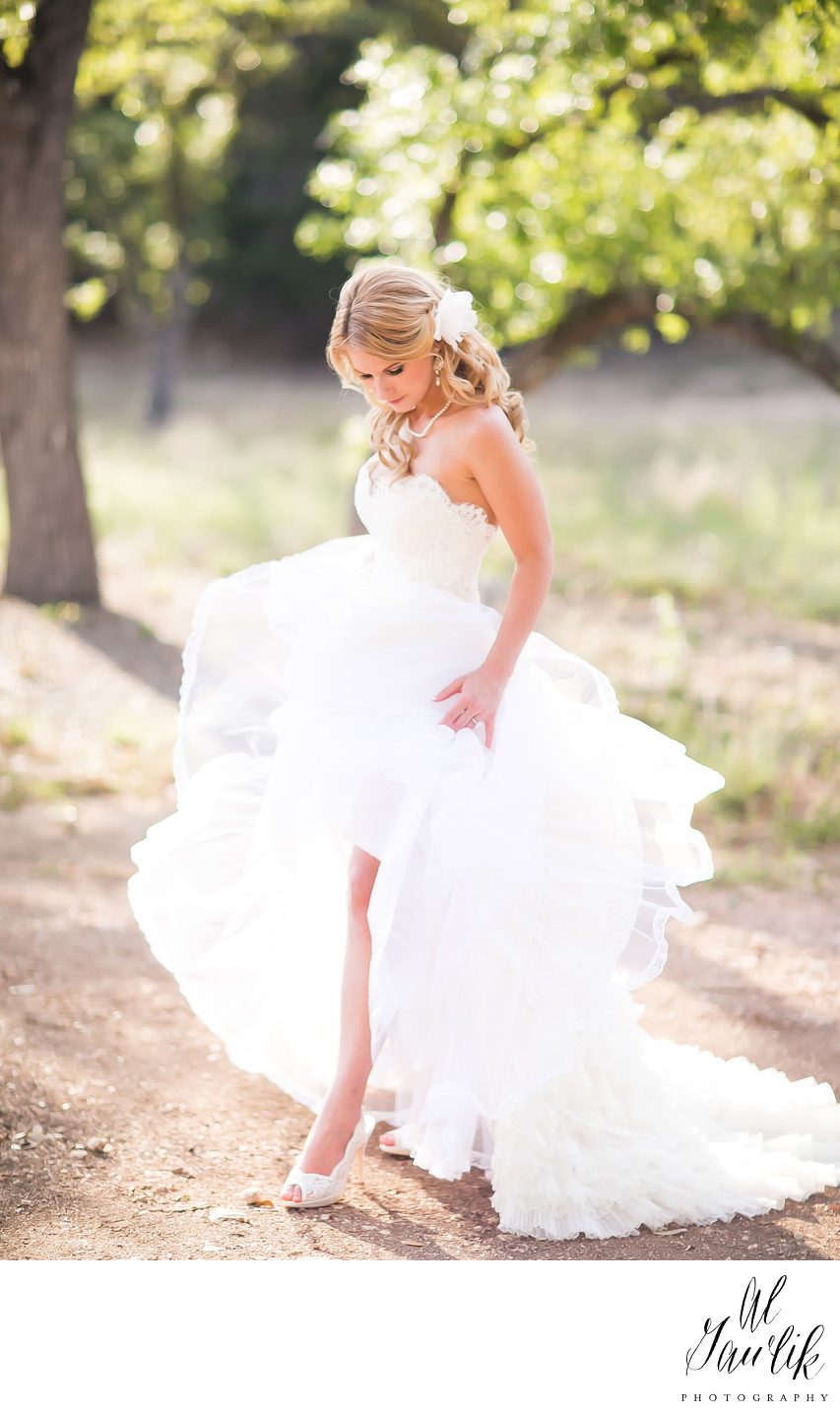 Texas Wedding Photographer Fashions Fancy Imagery