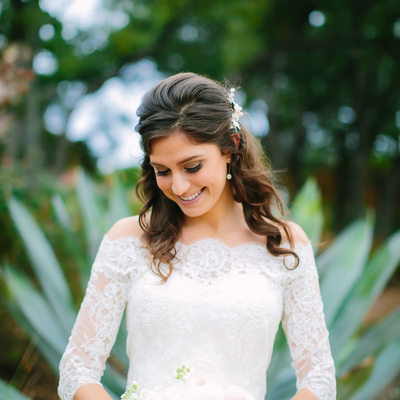 Texas Wedding Photographer captures smiling bridal pose