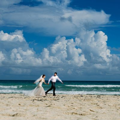 Texas photographer at Beach Wedding in Cancun Mexico