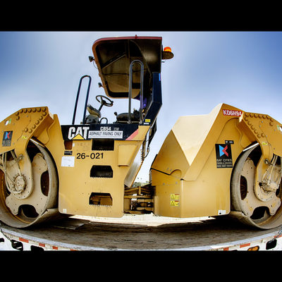 CAT - Steamroller getting a lift to new location