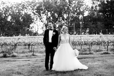Grandview Vineyard Wedding Portraits