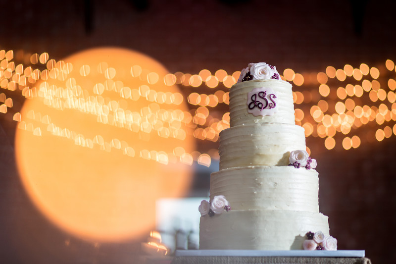 Wedding cake with Christmas lights