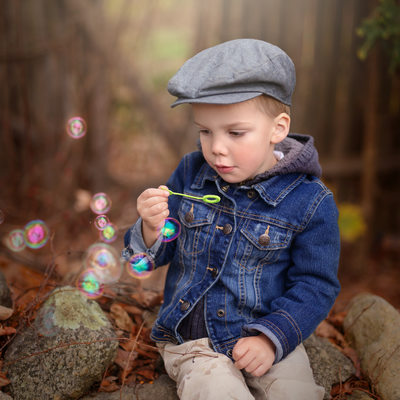 Children photographer in Bethel. How to take artistic portrait of a toddler?