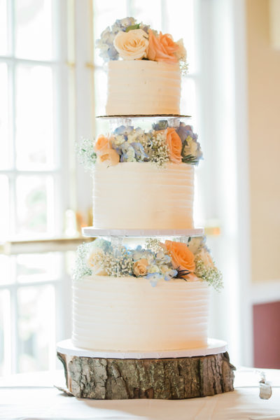 Wedding cake at the Michael's at the Grove in Bethel, CT