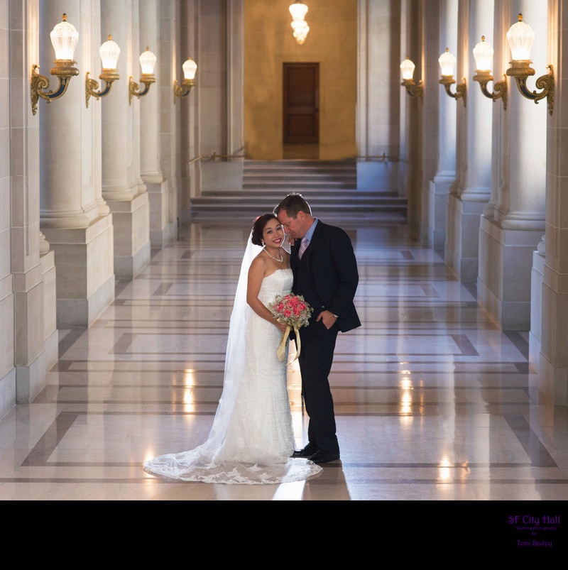 san francisco city hall romantic couple