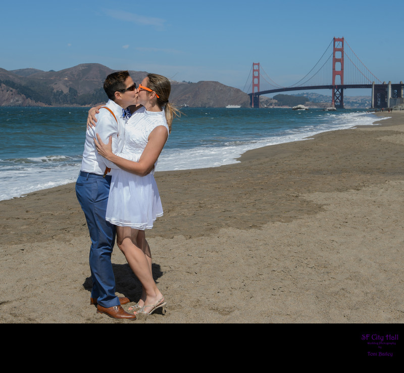 baker beach lgbtq kiss