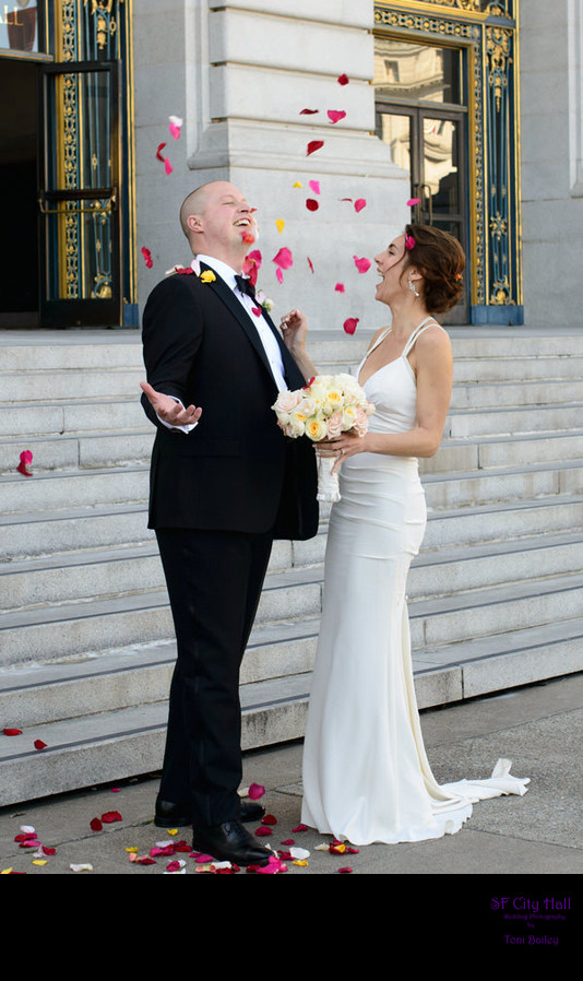SF City Hall Wedding celebration on the front steps with Confetti