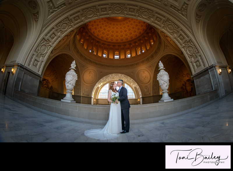 San Francisco City Hall top floor amazing weddings