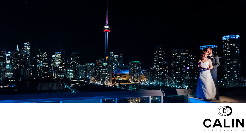 Bride and Groom Panoramic Portrait on Thompson Hotel Toronto Rooftop