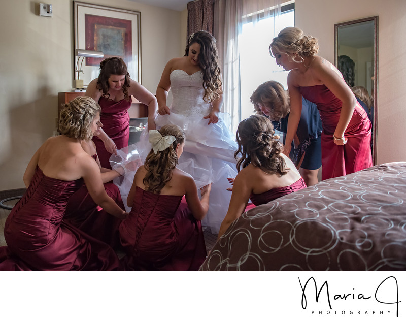 Bride and her Bridesmaids in the Poconos