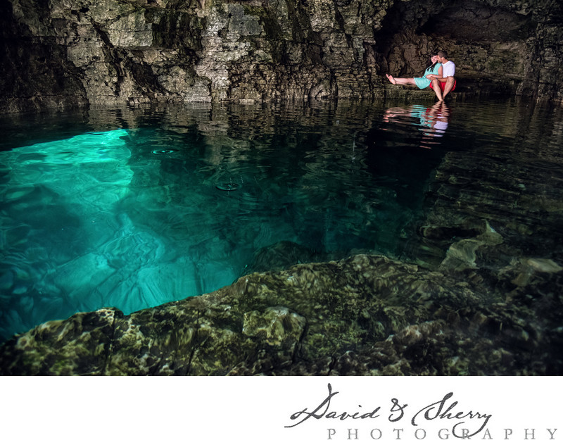 Pre-wedding photos in underwater caves in Canada