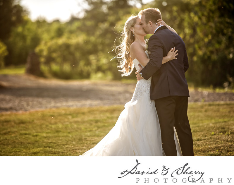 Kelowna Vineyard Wedding Photos
