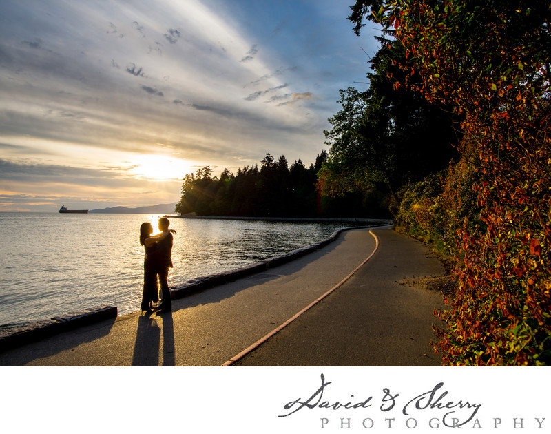 Stanley Park Sunset Engagement Photos