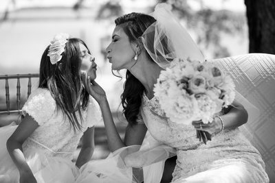 bride and flowergirl at savannah wedding
